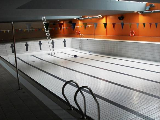 Vuelven a abrir la piscina de olaz - Piscinas de sarriguren ...