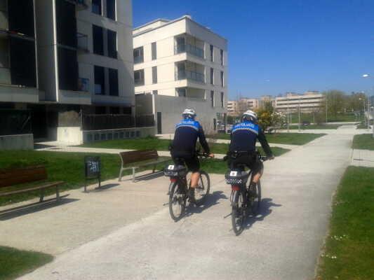 Patrullas en bicicleta por Sarriguren