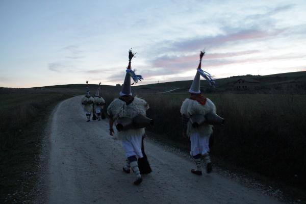 Olentzero recorrer sarriguren el 23 de diciembre en carroza - Piscinas de sarriguren ...